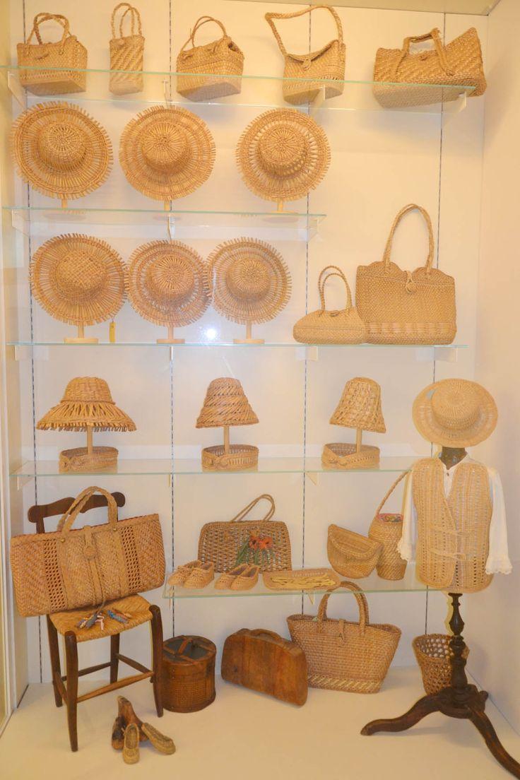 Ecomuseo delle Erbe Palustri (vetrina della collezione permanente; foto: Archivio Ecomuseo) Villanova di #Bagnacavallo