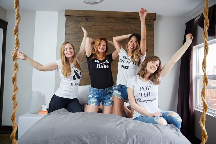graphic tees, graphic shirts for women, graphic tees for girls, how to style a graphic tee, how to style a tee, brunch, brunch graphic tees, brunch graphic shirts, pop the champagne, champagne tees, bachelorette tees, bachelorette shirts, photo shoot, fall fashion, fall outfits, fashion 2017, how to style your black jeans