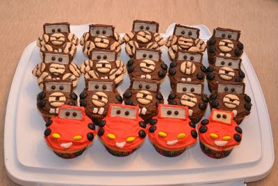 Bonnie Banters: Lightning McQueen and Tow Mater Cupcakes with Favors For A Car-Themed Birthday Party!