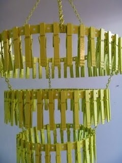 clothespin chandelier: Diy Ideas, Crafts Ideas, Crafts Rooms, Csipesz Ötletek, Diy Life, Clothespins Ideas, Clothespins Chandeliers, Ball Rooms, Clothespins Art