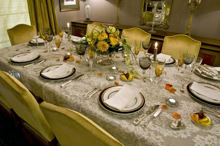 single house - table set detail / Vouliagmeni  - Greece / interior designer Sissy Raptopoulou