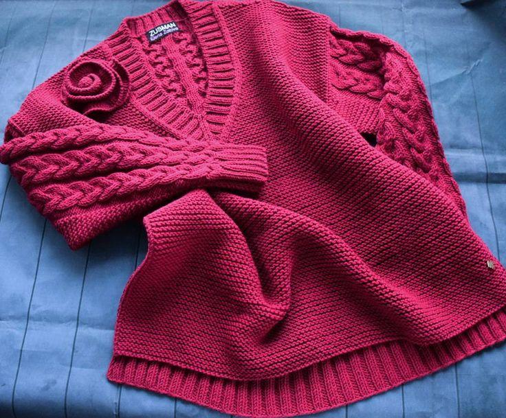 Пуловер из alize cashmira. Цветок съемный. Розочки сейчас в тренде)  Связан на заказ.  #вязание #вязаниеназаказ #вязаниенаспицах #ручнаяработа #пуловерспицами #марсала #wool #alizecashmira #zusman #designer #fashion #style #quality #handmade #knitting #knitwear #knitter ##tricoter #tricot #tricotage #france