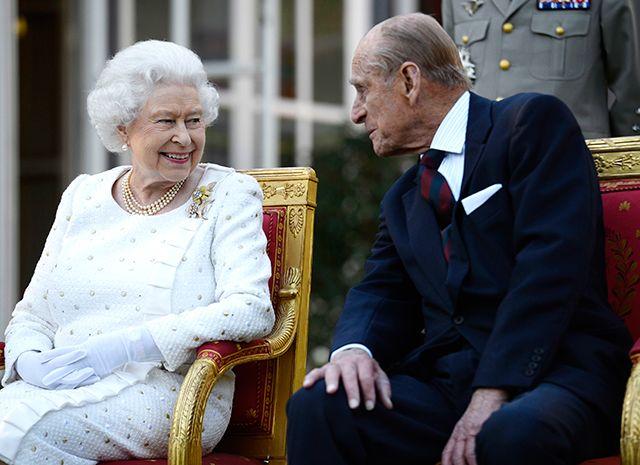 Бодра и весела: королева Елизавета II вновь появилась на публике после тяжелой болезни, HELLO! Russia