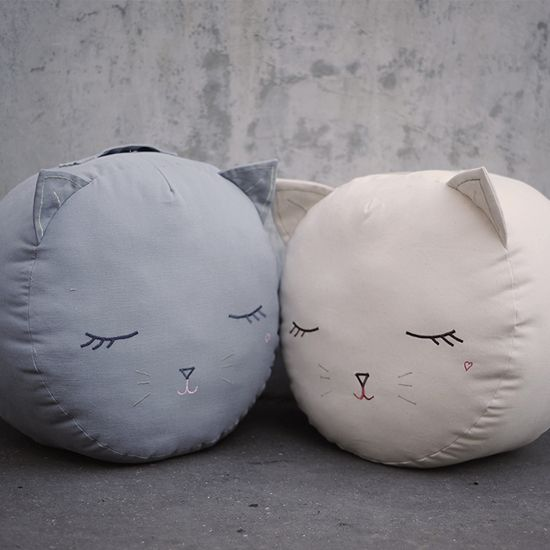 kitty cat pouf