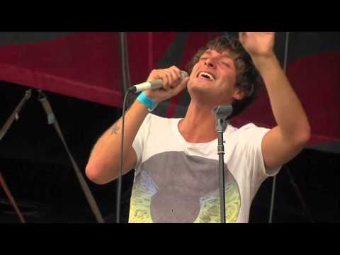Paolo Nutini - an old favorite, but I love this performance. AND he is such a cutie!