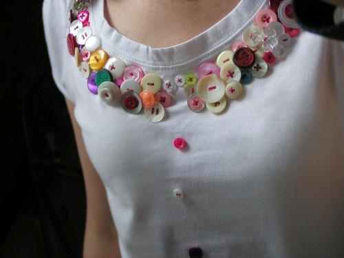 ButtonArtMuseum.com - button t-shirt