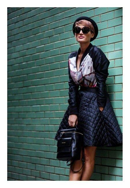 La Săptămâna Modei de la Londra, draga noastră Carmen Negoita a strălucit într-un outfit uber chic, la care a asortat un rucsac superb, ce va fi disponibil în noua colecție YVY BAGS. Rămâneți aproape. Vă așteaptă surprize minunate.  Noua colecție va fi disponibilă în curând, pe www.yvybags.ro! #loveYVYBags #leatherhandbags #YVYBagsfactory #loveourjob #clutch #fashion