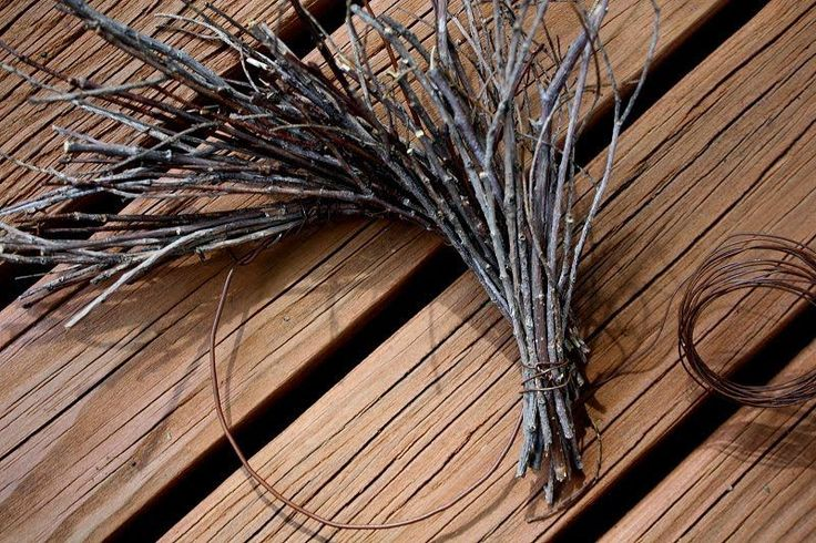 Rock River Stitches: Make Your Own Primitive Fall Twig Wreath - I like this tutorial the best.
