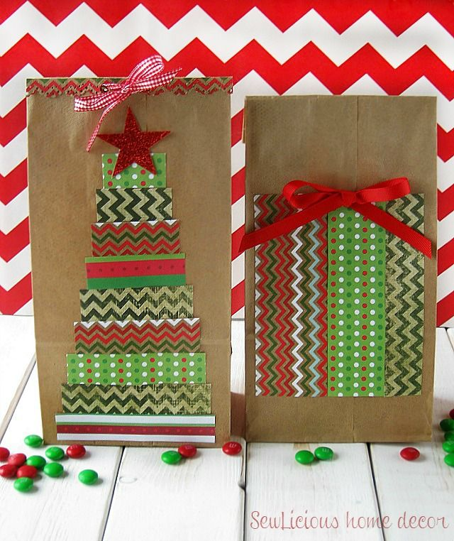 Easy DIY decorated Christmas bags for the holidays. Perfect for party favors and gifts. sewlicioushomedecor.com