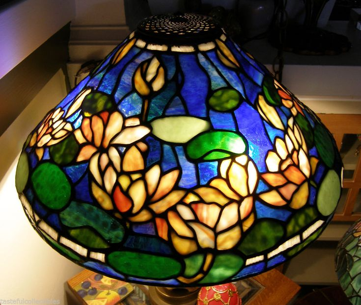 Tiffany Reproduction Stained Glass Lamp Shade 20 Quot Water