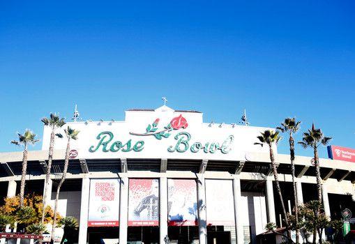 Rose Bowl 2016 Iowa vs Stanford live stream online, TV start time, odds & pick