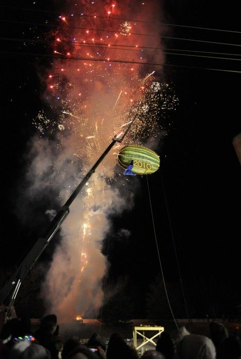 Vincennes Indiana | Fruity Fun – Watermelon Drop, New Years Eve, 2009
