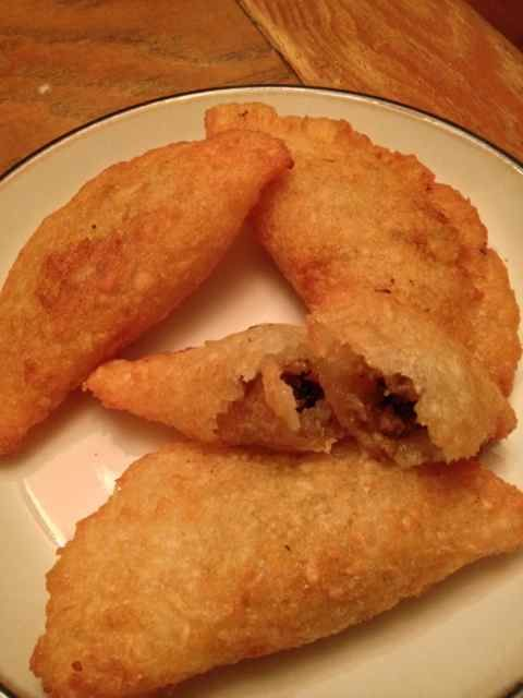 Dominican Yucca Empanadas (Catibias) recipe | Yucca or tapioca empanadas are a crispy, gluten-free and delicious classic recipe from the Dominican Republic.