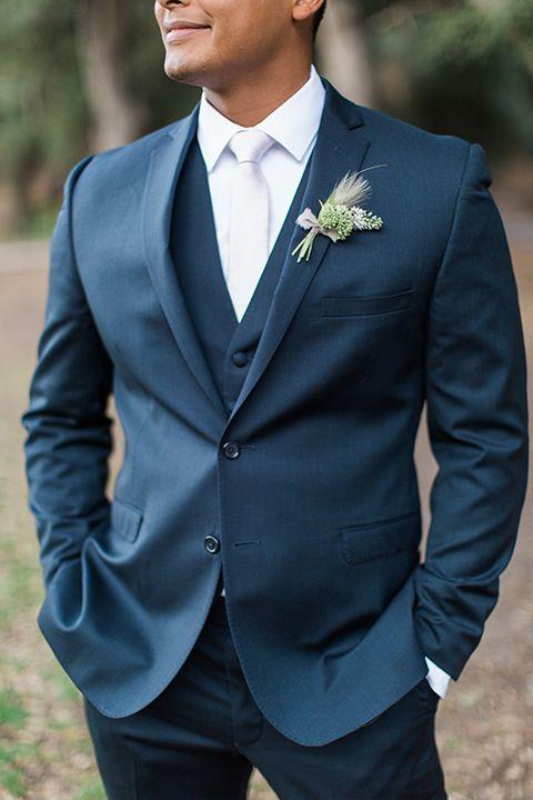 Temecula-Outdoor-Wedding-Groom-Blue-Suit-Closeup #suit #brautigam #h … – Hochzeit