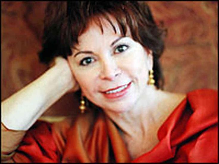 Isabel Allende, una escritora de fama mundial, escritó las novelas y cuentos del realismo mágico.  Es la sobrina del ex presidente Allende