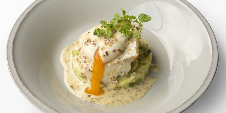 A simple smoked haddock recipe from chef Bryn Williams and his beachfront restaurant, Porth Eirias. This recipe will ensure perfectly poached haddock and includes a mustard beurre blanc recipe.