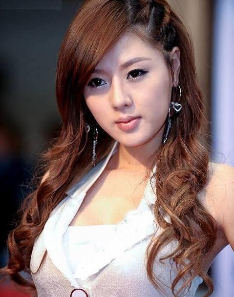 Korean Hairstyles 2018 32 Femalehairstylestrends