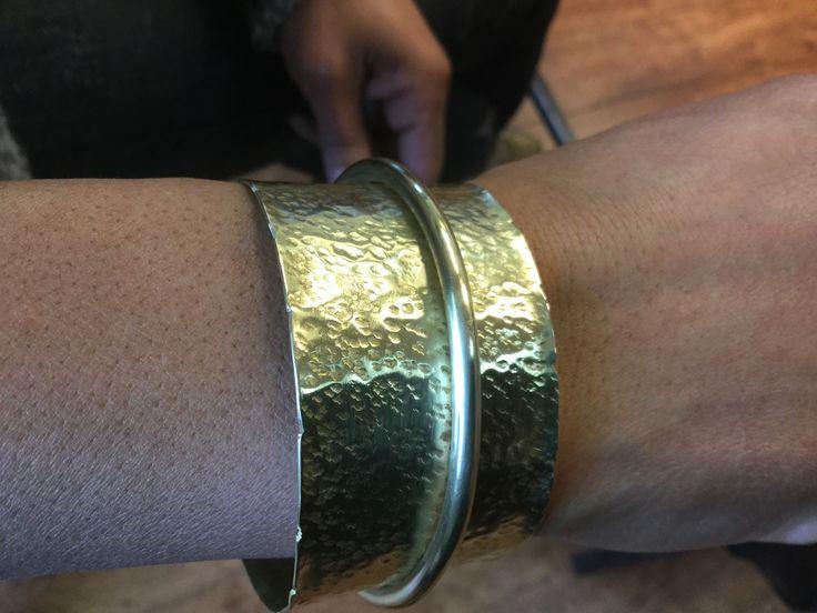 Armband messing, Ellen-Jane Muller, gemaakt tijdens de cursus edelsmeden bij Monique Peters