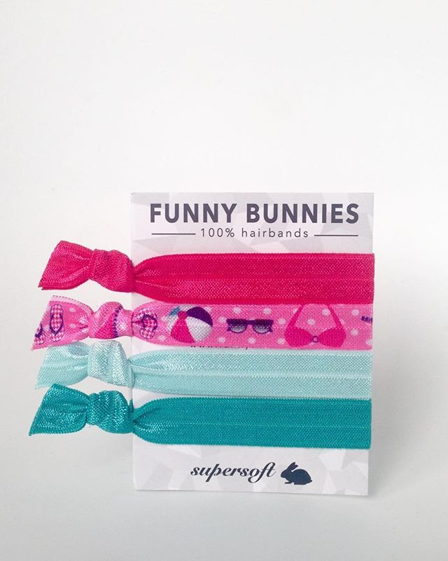 SUMMERTIME is FUNNYBUNNIES-TIME 4er Pack B E A C H P A R T Y 4,95 € #summer #bikini #Strand #sommer #funnybunnies #bunny #hairties #haargummi #armcandy #armband#followme #loveit #bracelet #rayban #Sonnenbrille #zopf #pferdeschwanz