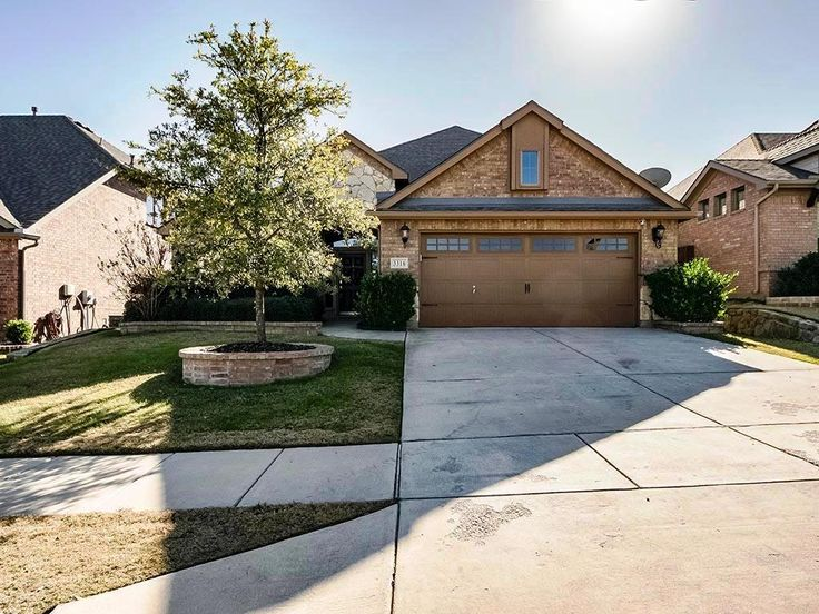 48 best just listed homes images on pinterest single family family homes and family houses for 3 bedroom townhomes in fort worth tx