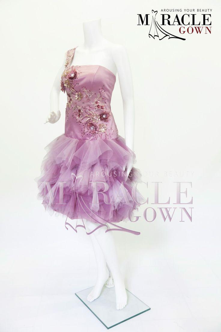 Delicate Pink Fleece www.facebook.com/Miracle.Gown or www.gauncantik.com for further information  #Gaun Pesta #Gaun Malam #Evening Dress #Evening Gown #Splendid Evening Dress Design #Fashion Designer #Miracle Gown #Evening Dress Designer