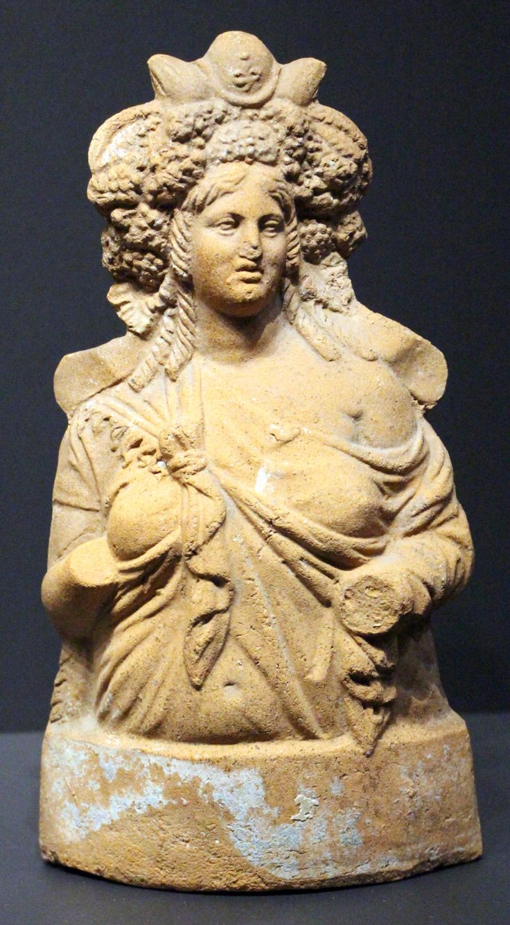 A bust of Demeter, here identified with the Egyptian goddess Isis. Unknown Egyptian artist, 1st cent. CE. Now in the Louvre. Photo credit: Sailko.