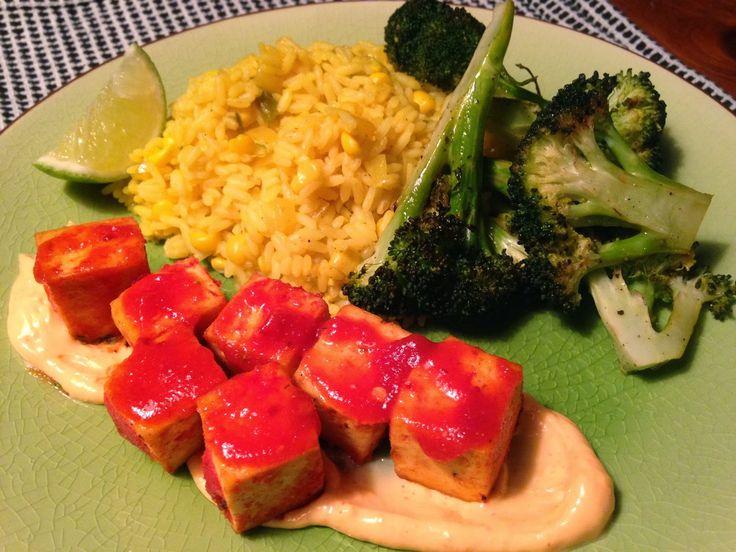 À porc egal: Tofu style Sud-Ouest, riz aux jalapeños, maïs et lime