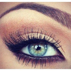 Gold makeup eyeshadow Make-Up