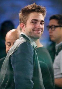 Rob Pattinson no Good Morning America - (17/Junho)   Hollywood News