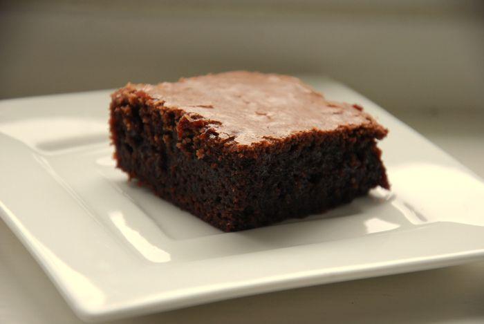 OPPSKRIFT: ENKEL OG SUPERGOD BROWNIES (Mari Mushom)  veldig god og trenger få ingredienser