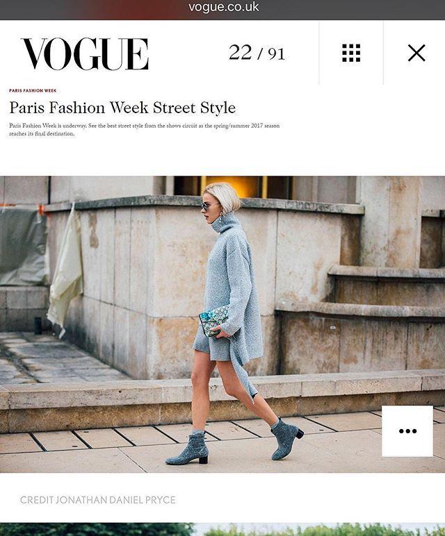 Aaaaaa! Jeden dzień na #PFW i moja stylizacja pojawiła się w #BritishVOGUE @britishvogue <3 #happy!!! Dziękuję obserwatorzy za podesłanie mi linka :* http://www.vogue.co.uk/preview/article/paris-fashion-week-2016-street-style #PRESSMAFFASHION 💪🏼 Lada dzień post z tą własnie wyróżnioną stylizacją 😘