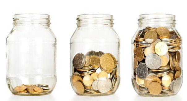 ♥♥♥  Como juntar dinheiro em casal Juntar dinehiro a dois. Como fazer um cofre no pote de vidro.