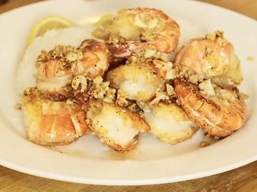 I love Kahuku shrimp from the trucks on Oahu's North Shore! This garlic shrimp recipe is supposed to be just like it! So excited to try it!