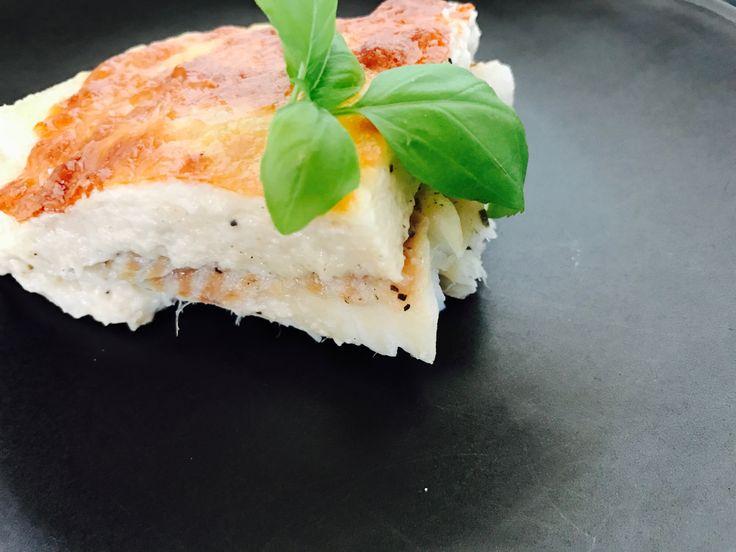 Halfilé besamel mártással és sajttal sütve