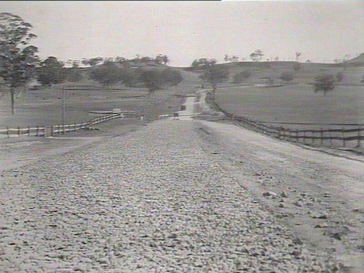 Picton Road in 1929.New South Wales highway linking Picton and Wollongong. •State Records of NSW•