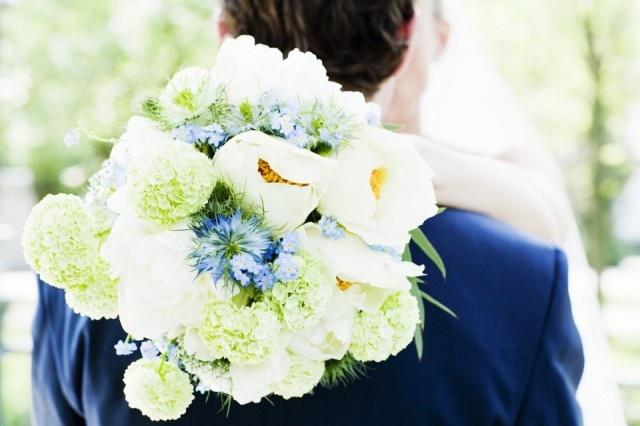 Prachtig bruidsboeket met witte tinten!