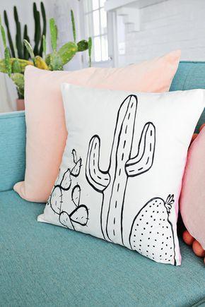 Tutorial para aprender a hacer tus propios cojines con los estampados de moda en el mundo de la decoración, los cactus. Diy fácil para diseñar cojines.