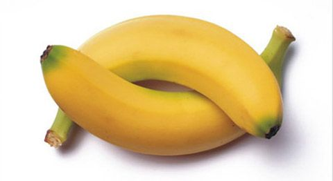 Ecco cosa succede al nostro organismo se mangiamo 2 banane al giorno.Le banane e i loro benefici http://jedasupport.altervista.org/blog/senza-categoria/le-banane-benefici-cosa-succede-mangiamo/