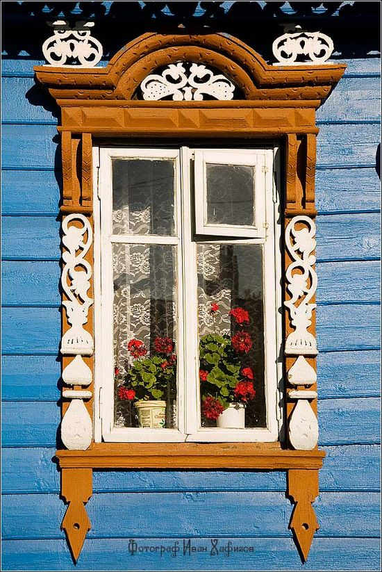 Kostroma city, Russia windows frames | The House of Beccaria#