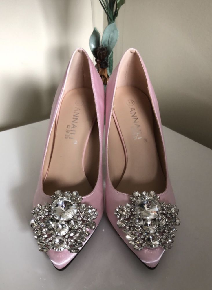 8c640f88a05 Annaili Ladies Shoes Size 7 Pink Satin Embellished Pointy Toe Court Shoes  New