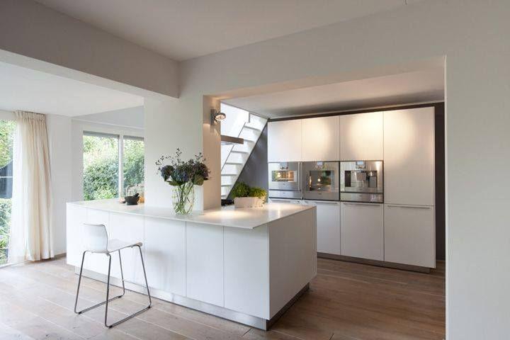 Vijf verbouwtips om de waarde van je huis te verhogen - foto woonkeuken bulthaup b3 design by Juul #wooninspiratie #verbouwen