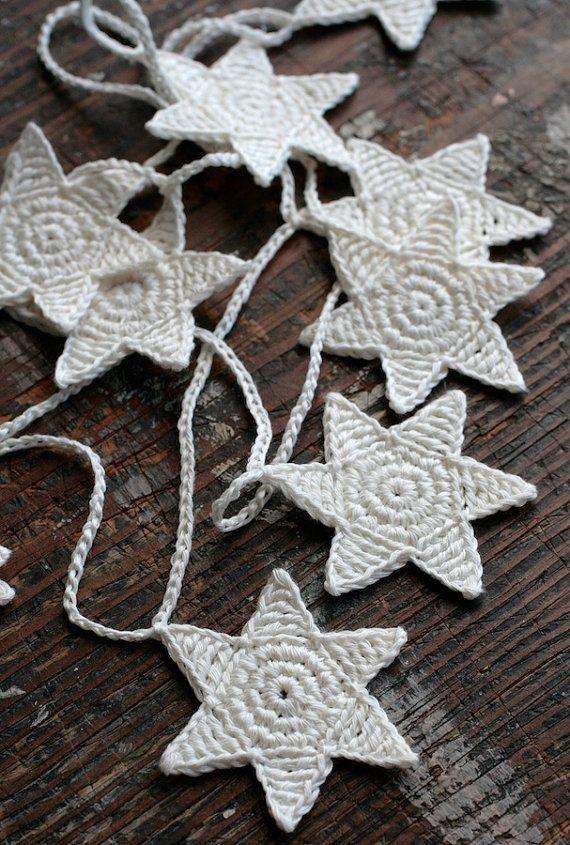 Crochet Garland - Wall Hanging - Small Bunting - Stars garland -  offwhite