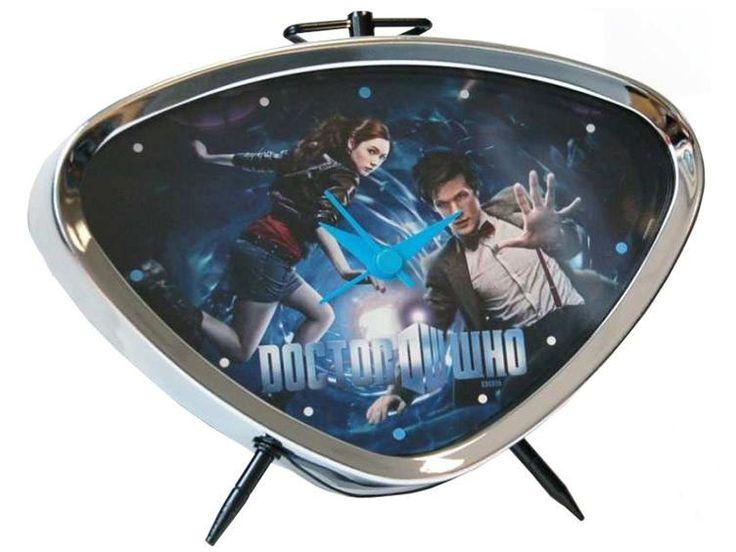 Reloj despertador Doctor Who. Undécimo Doctor y Amy Pond