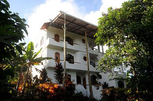 Twin Lodge Galapagos - Hotels.com - Hotel rooms with reviews. Discounts and Deals on 85,000 hotels worldwide