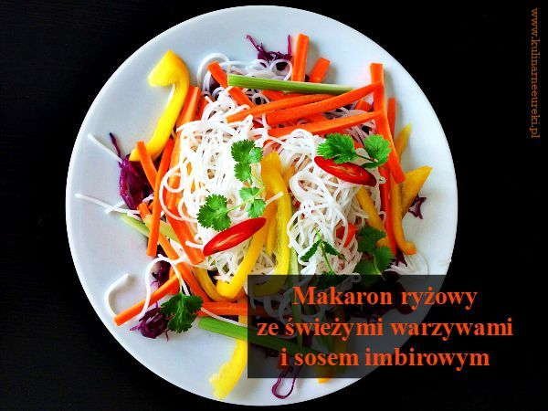 Makaron ryzowy z warzywami