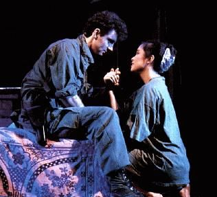 Front row seats for me & hubby R or nothing:) Miss Saigon at the CCP w/ my mom's favorite multi-awarded artist Lea Salonga as Kim. Oct2000
