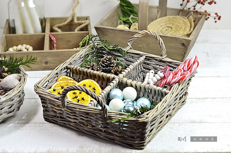 Ib Laursen Wicker Basket with 4 room and handles. Perfect for Christmas decorations