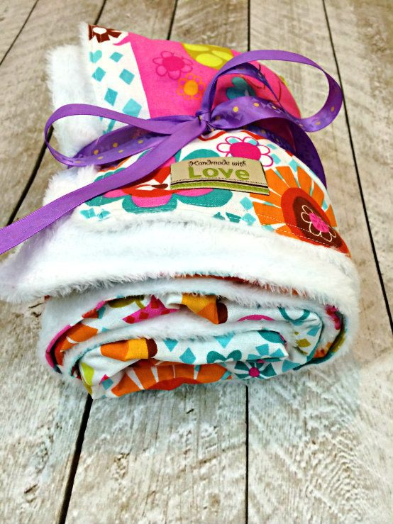 15 Minute Baby Blanket Pattern      http://thestitchingscientist.com/2015/01/how-to-make-a-simple-baby-blanket.html
