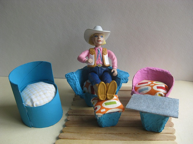 how to make dolls from waste materials