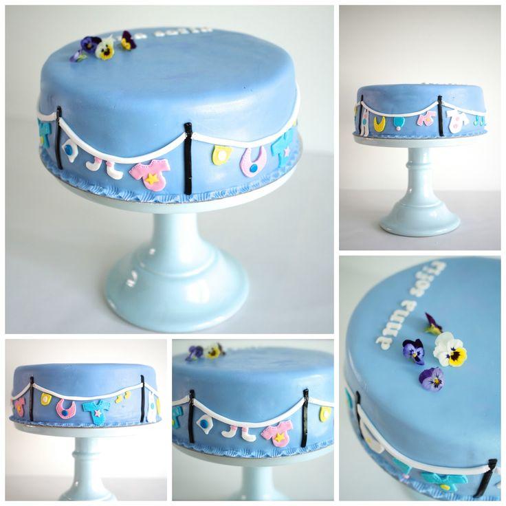 Annin Uunissa: Ristiäiskakku - vinkkejä kakun kuorruttukseen sokerimassalla